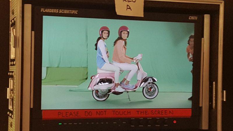Pink Vespa PK appearing in TV advert