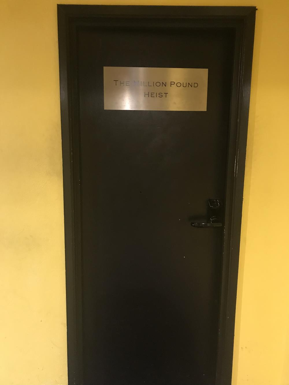 The door to the million pount bank heist escape game