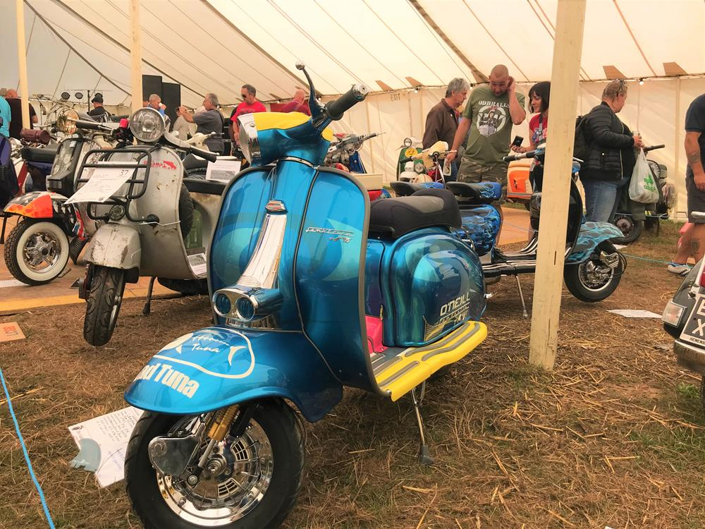 Blue custom Lambretta TV175 Soul Surfer featuring a Cali 50s styling and surfing branding