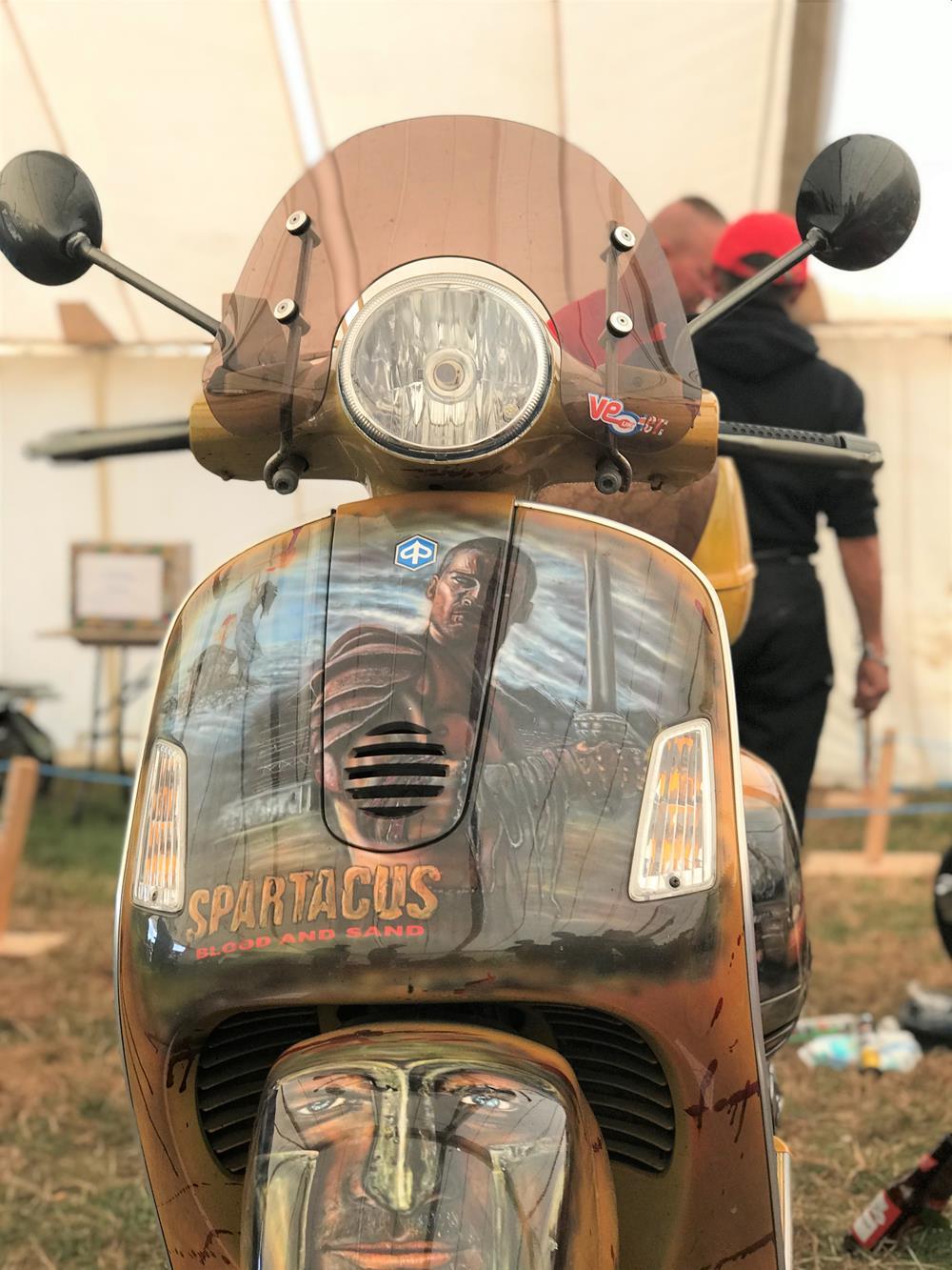 Front legshields on Spartacus Vespa GTS