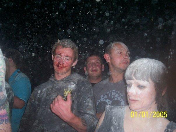 Iggy Grainger at a King Kurk gig