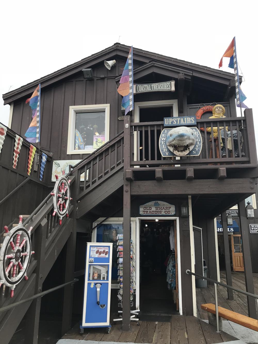 Souvenir store on Stearns Wharf