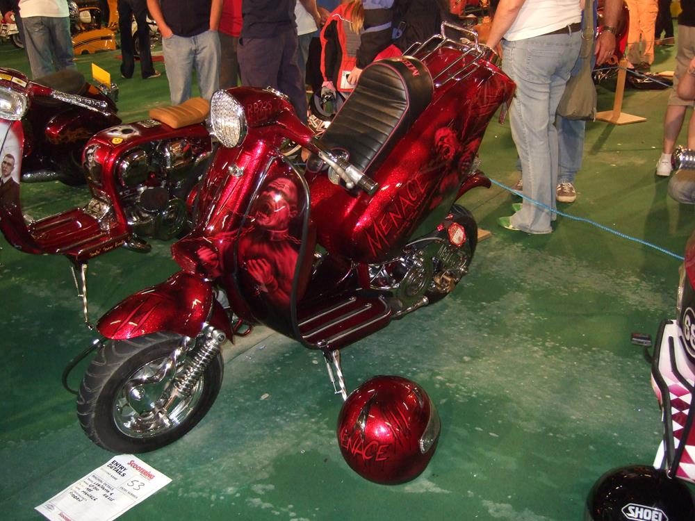 Red custom Lambretta, Menace, with rear end lifted