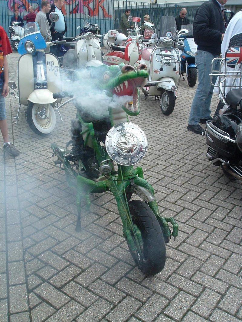 Dragon Lambretta blowing smoke