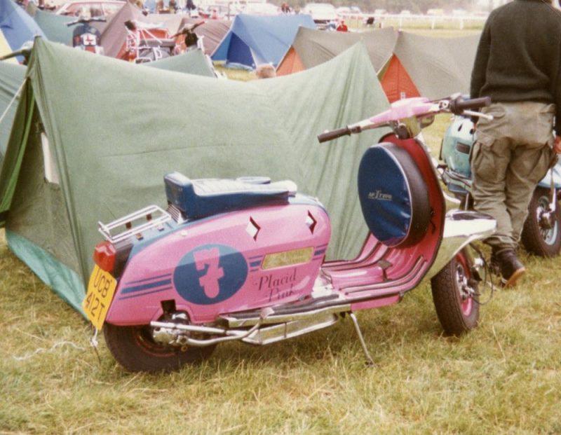 Placid pink Lambretta