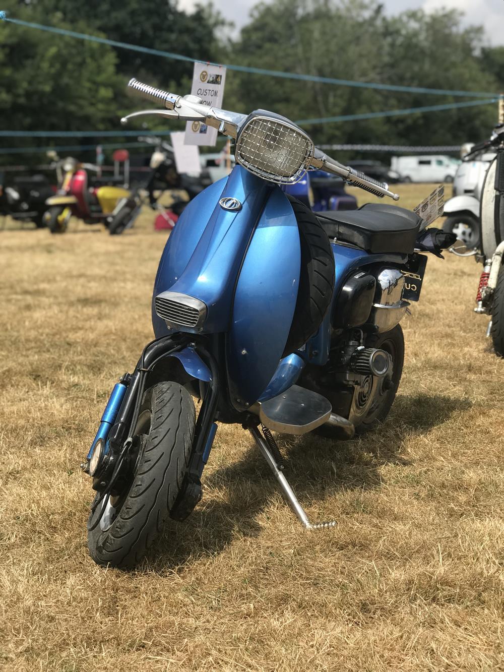 Blue Lambretta cutdown