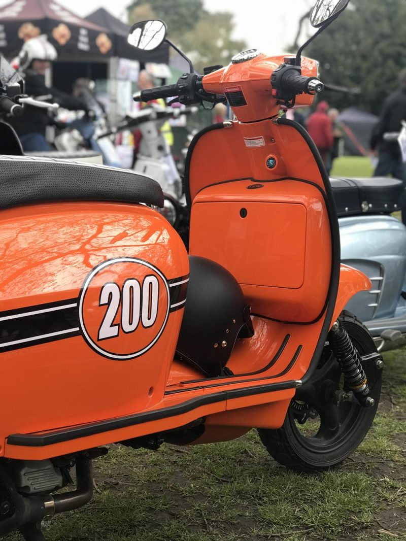 Scomadi 200cc scooter side view